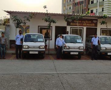 5 vans by allen kota during corona